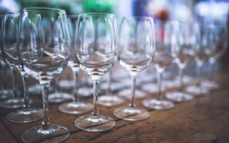 BLOG: WIJNPROEVEN – GEUR EN HET GLAS